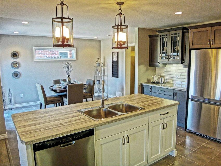 Vermont A 4 Bedroom 2.5 Bath Home In Orchard Park South. A